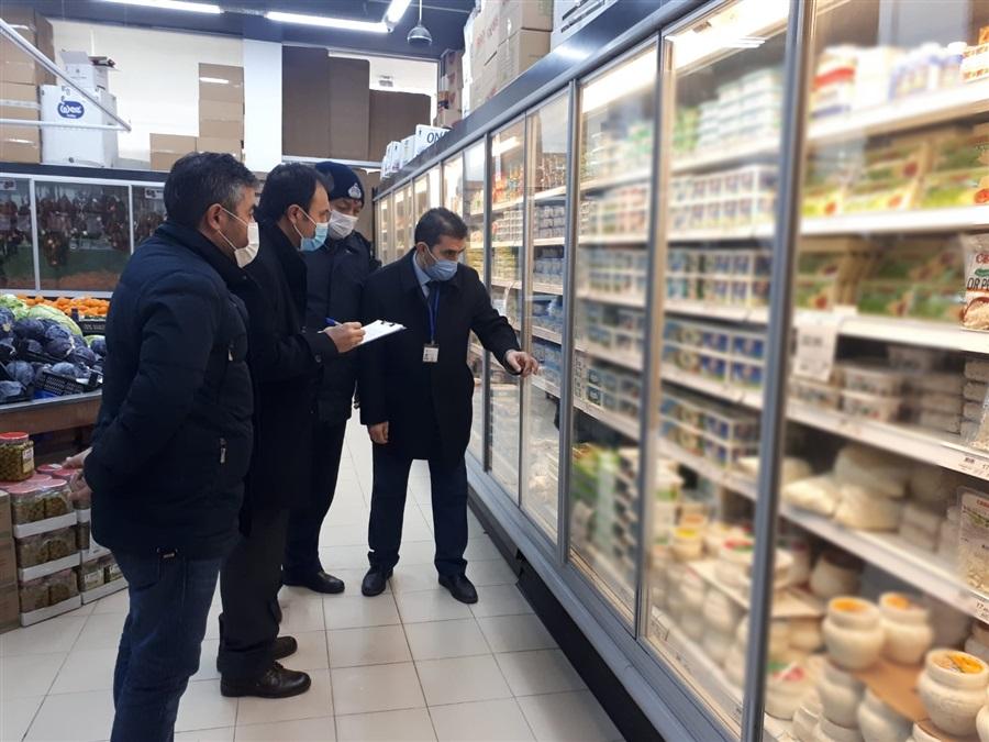 Haksız Fiyat Artışlarına Yönelik Denetimler hafta sonu da Ticaret İl Müdürlüğümüz ve Aksaray Belediyesi ile birlikte devam etti