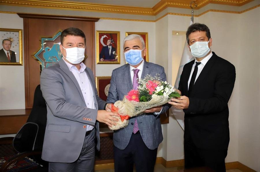 34. Ahilik Haftası Kutlamaları kapsamında Kutlama Komitesince Belediye Başkanı Dr. Evren Dinçer ziyaret edildi
